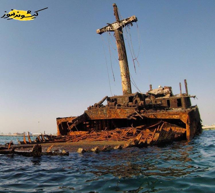 نمای پشت کشتی یونانی