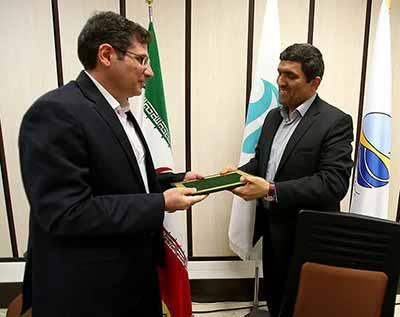 آرتا محمودی معاونت امور شهری و محیط زیست