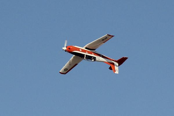 ویدئو/ هنرنمایی هواپیمای «پی سی ۷» در آسمان کیش