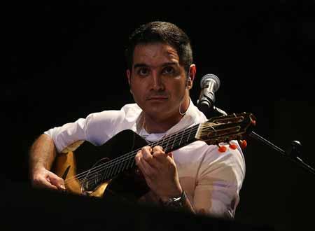 تصاویر کنسرت محسن یگانه در تالار شهر جزیره کیش