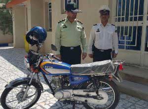 نخستین آموزشگاه دریافت گواهینامه موتورسیکلت در کیش راه اندازی شد / موتورهای فاقد گواهینامه توقیف می شوند