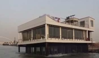 نخستین شناور رستوران آکواریومی تولید ایران در راه کیش