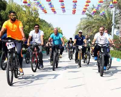 تصاویر همایش بزرگ دوچرخه سواری در کیش