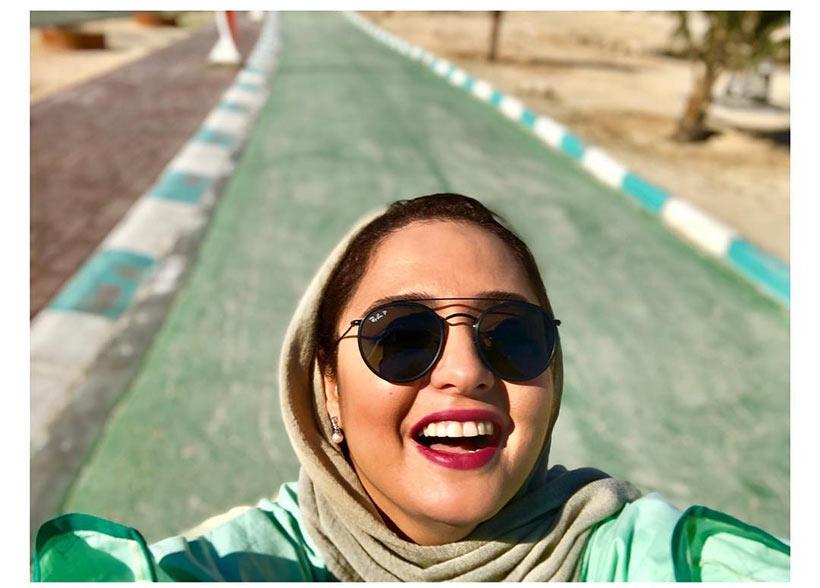 عکس | سلفی نرگس محمدی در کیش